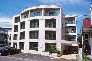 北海道札幌市豊平区、東札幌駅徒歩12分の築28年 4階建の賃貸マンション