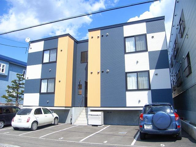北海道札幌市厚別区、新札幌駅徒歩16分の築7年 3階建の賃貸アパート