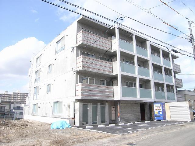 北海道札幌市厚別区、厚別駅徒歩9分の築4年 4階建の賃貸マンション