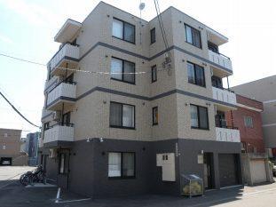 北海道札幌市厚別区、厚別駅徒歩6分の築5年 4階建の賃貸マンション