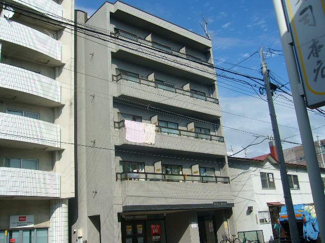 北海道札幌市白石区、白石駅徒歩20分の築25年 5階建の賃貸マンション