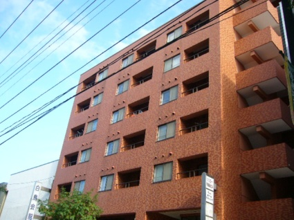 北海道札幌市白石区、白石駅徒歩3分の築24年 8階建の賃貸マンション