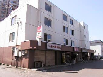 北海道札幌市北区、新琴似駅徒歩7分の築32年 4階建の賃貸マンション