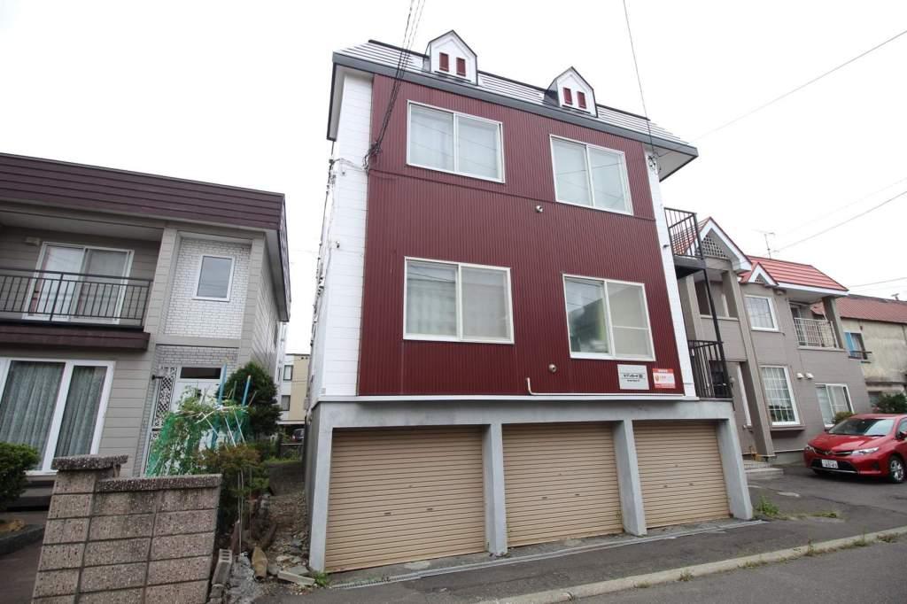北海道札幌市東区、北34条駅徒歩19分の築29年 3階建の賃貸アパート