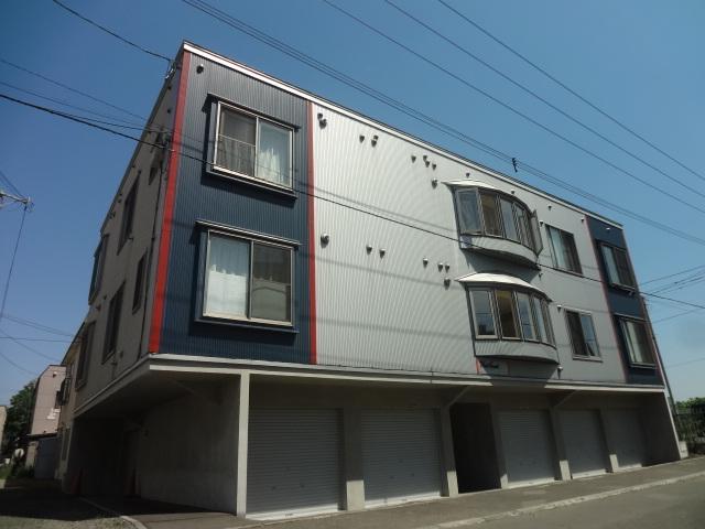 北海道札幌市中央区、苗穂駅徒歩10分の築10年 3階建の賃貸アパート