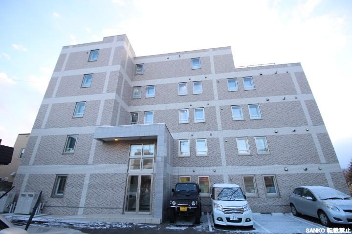 北海道札幌市北区、八軒駅徒歩20分の築1年 5階建の賃貸マンション