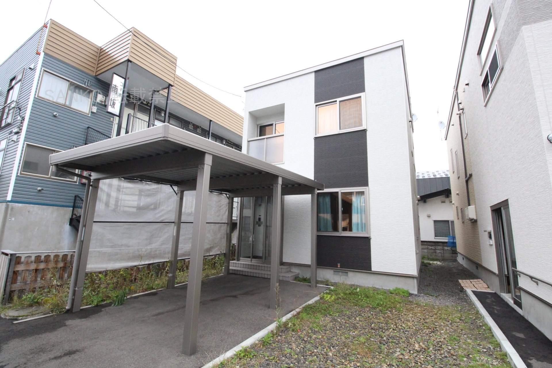 北海道札幌市東区、新道東駅徒歩18分の築4年 2階建の賃貸一戸建て