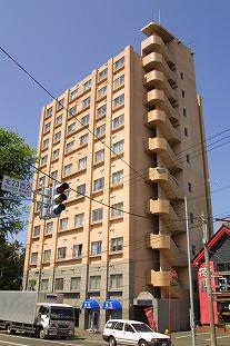 北海道札幌市北区、北34条駅徒歩14分の築23年 10階建の賃貸マンション