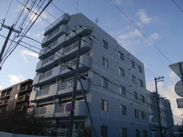 北海道札幌市東区、苗穂駅徒歩20分の築28年 8階建の賃貸マンション