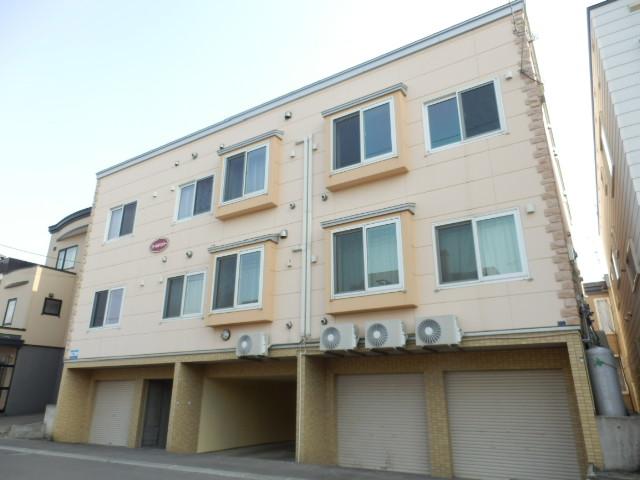 北海道札幌市北区、新琴似駅中央バスバス18分篠路7−5下車後徒歩4分の築12年 3階建の賃貸アパート