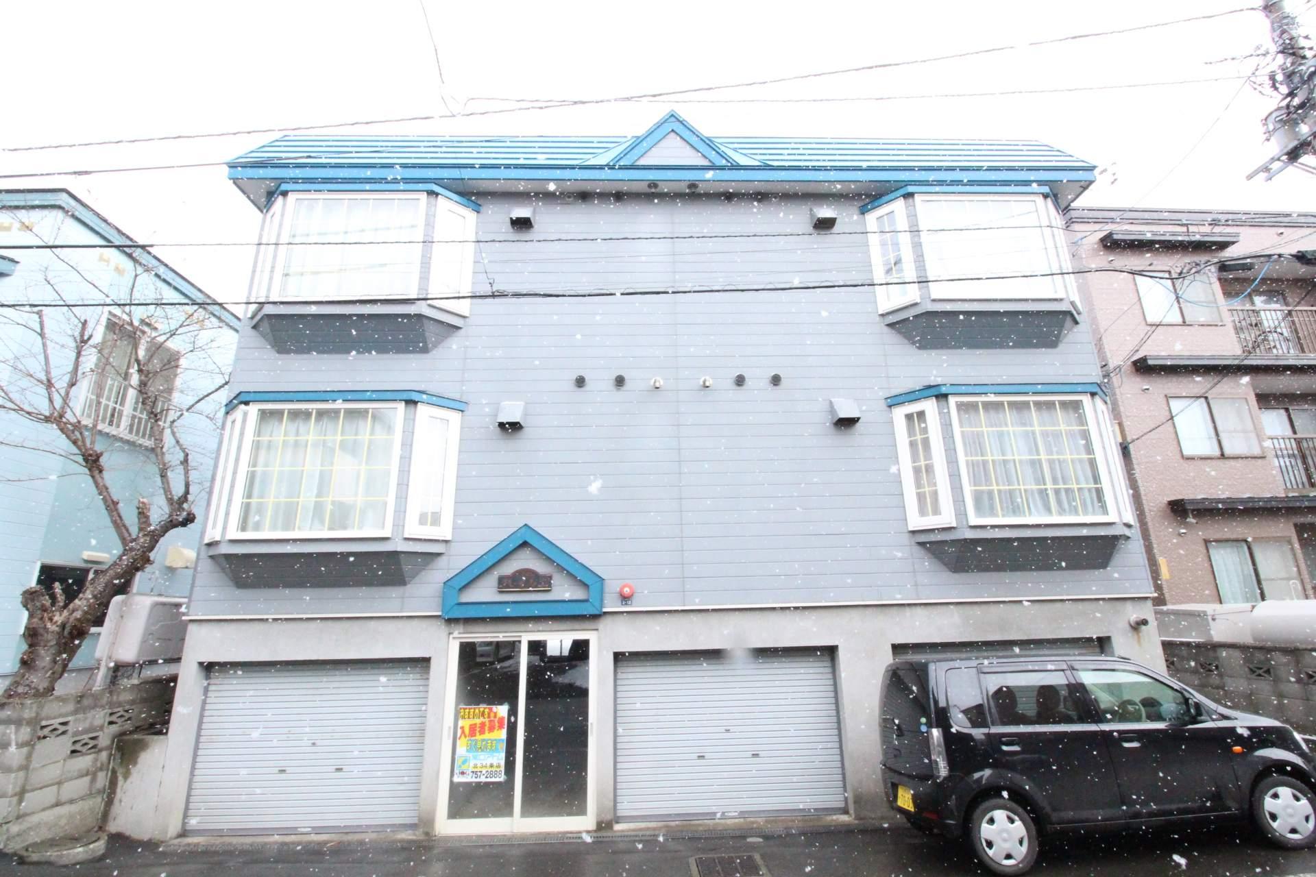 北海道札幌市東区、北34条駅徒歩16分の築24年 3階建の賃貸アパート