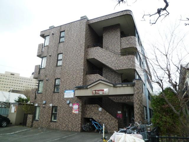 北海道札幌市北区、北18条駅徒歩6分の築26年 4階建の賃貸マンション