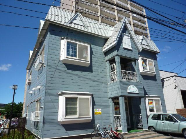 北海道札幌市東区、札幌駅徒歩14分の築31年 2階建の賃貸アパート
