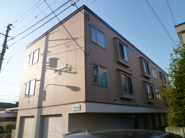 北海道札幌市北区、新琴似駅中央バスバス8分自動車学校前下車後徒歩1分の築7年 3階建の賃貸アパート