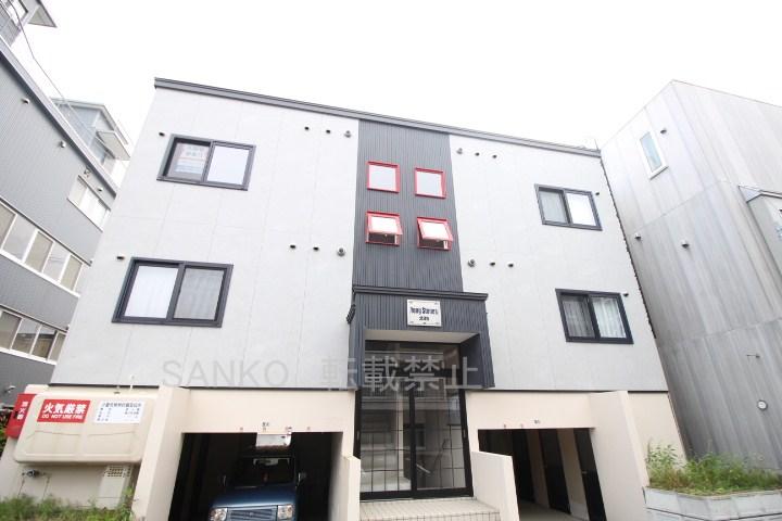 北海道札幌市東区、麻生駅徒歩15分の築8年 3階建の賃貸アパート