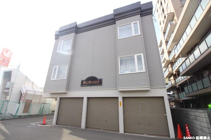 北海道札幌市北区、北34条駅徒歩2分の築20年 2階建の賃貸アパート