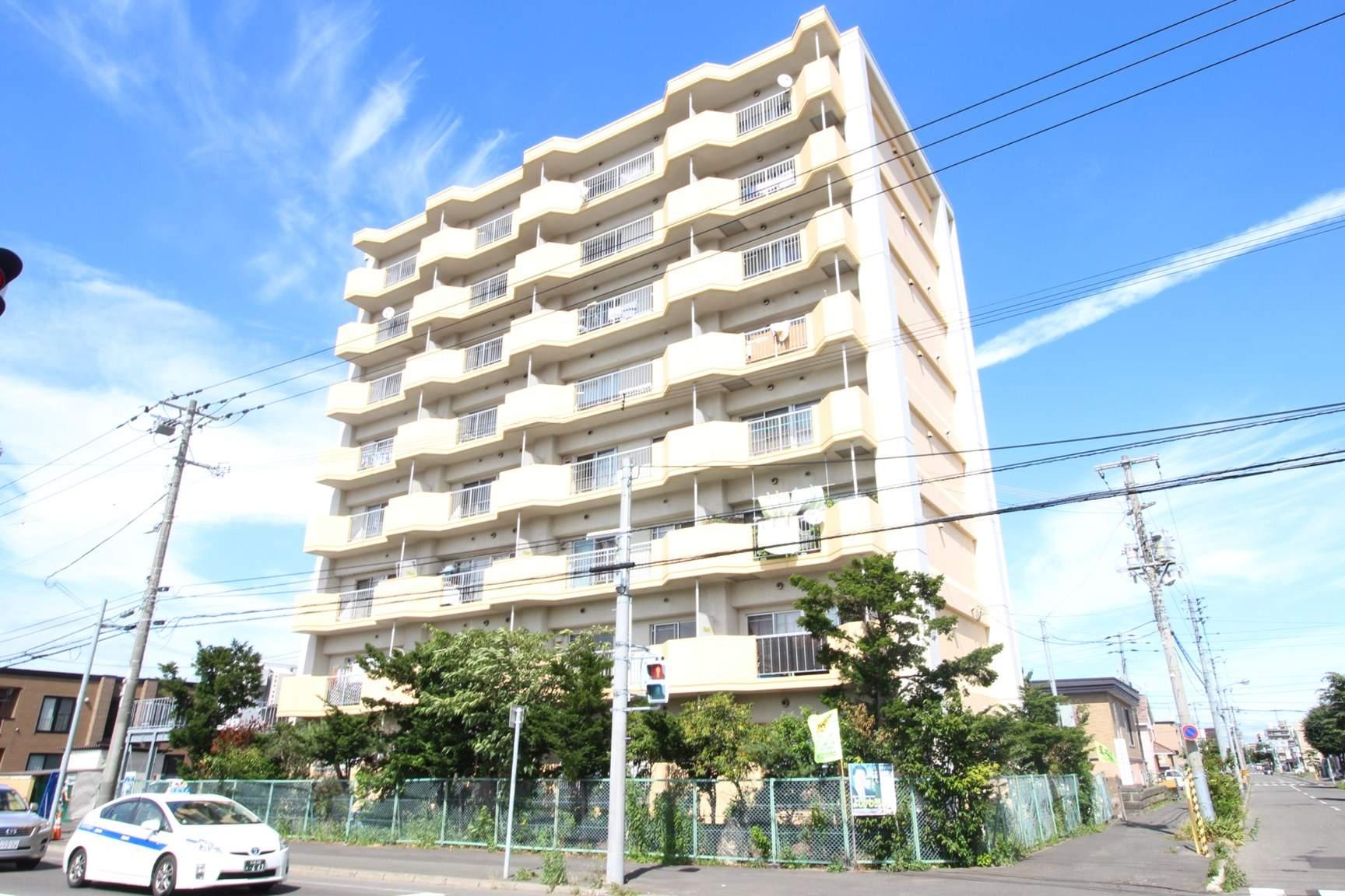 北海道札幌市東区、新琴似駅徒歩15分の築33年 8階建の賃貸マンション
