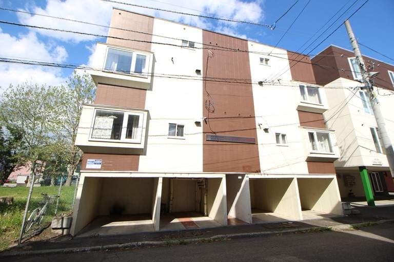 北海道札幌市東区、環状通東駅徒歩5分の築21年 3階建の賃貸アパート