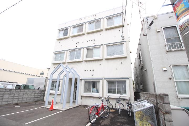 北海道札幌市北区、新琴似駅徒歩8分の築29年 3階建の賃貸マンション