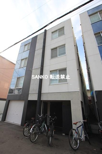 北海道札幌市北区、北24条駅徒歩14分の築4年 4階建の賃貸マンション