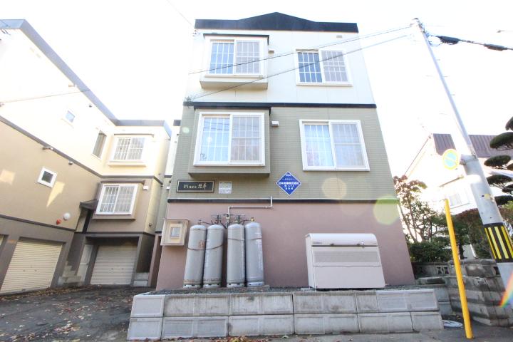 北海道札幌市中央区、桑園駅徒歩19分の築21年 3階建の賃貸アパート