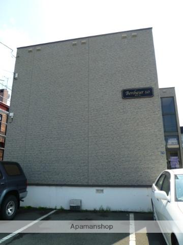 北海道札幌市北区、百合が原駅徒歩12分の築17年 2階建の賃貸アパート