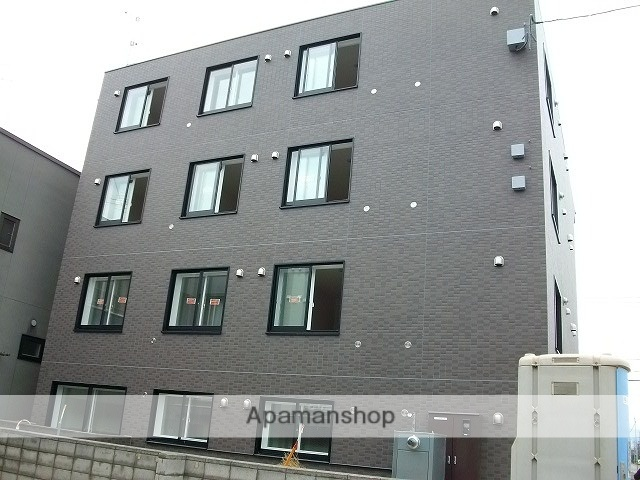 北海道札幌市北区、新川駅徒歩10分の築6年 4階建の賃貸マンション