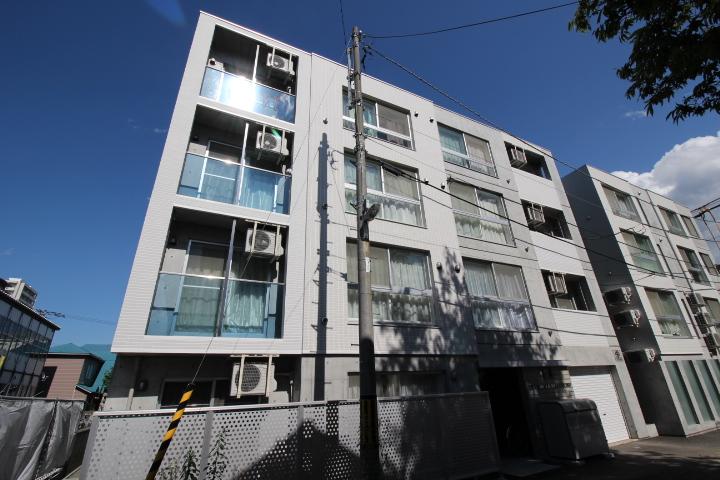 北海道札幌市東区、北12条駅徒歩9分の築2年 4階建の賃貸マンション
