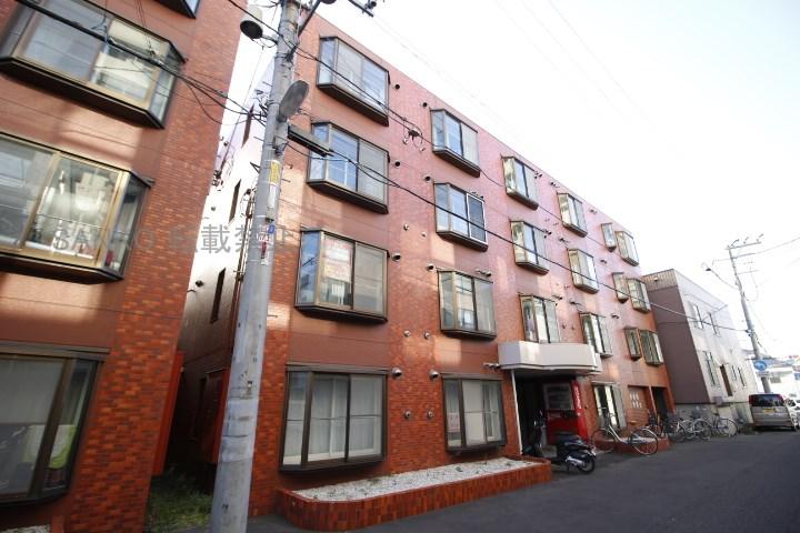 北海道札幌市東区、札幌駅徒歩13分の築27年 4階建の賃貸マンション