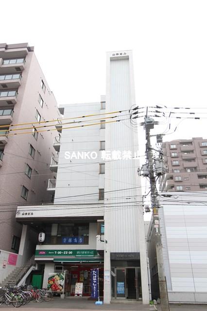 北海道札幌市北区、北34条駅徒歩15分の築30年 7階建の賃貸マンション