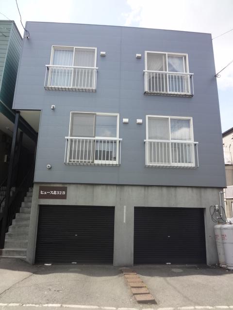 北海道札幌市東区、栄町駅徒歩21分の築29年 3階建の賃貸アパート