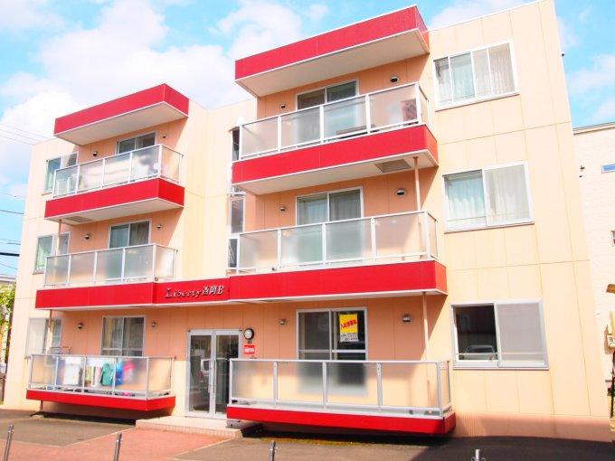 北海道札幌市豊平区、美園駅徒歩29分の築20年 3階建の賃貸マンション