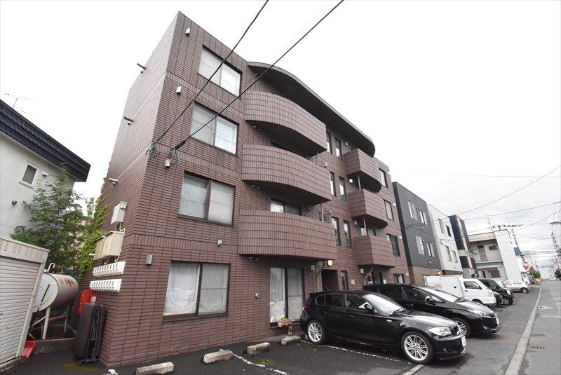 北海道札幌市豊平区、平岸駅徒歩13分の築20年 4階建の賃貸マンション