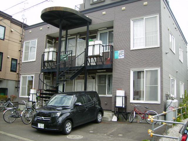 北海道札幌市豊平区、平岸駅徒歩16分の築19年 2階建の賃貸アパート