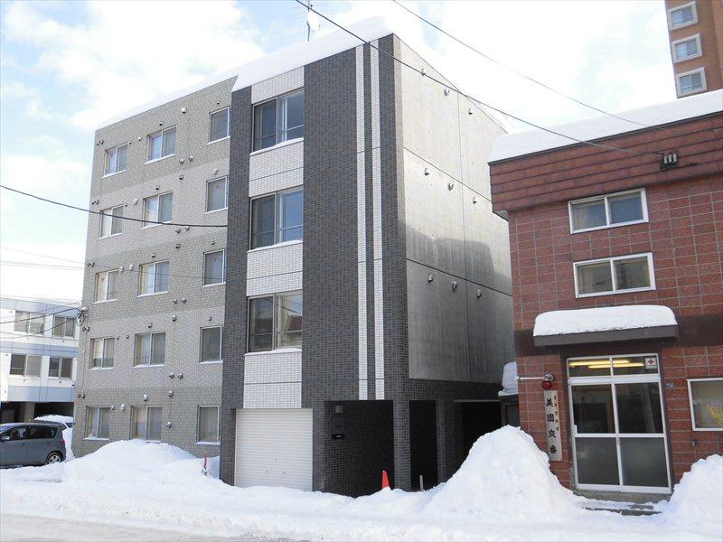北海道札幌市豊平区、白石駅徒歩15分の築1年 4階建の賃貸マンション