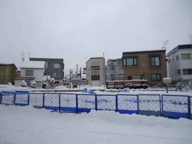 北海道札幌市豊平区、南郷7丁目駅徒歩15分の築3年 3階建の賃貸アパート