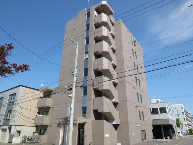 北海道札幌市豊平区、白石駅徒歩15分の築20年 8階建の賃貸マンション
