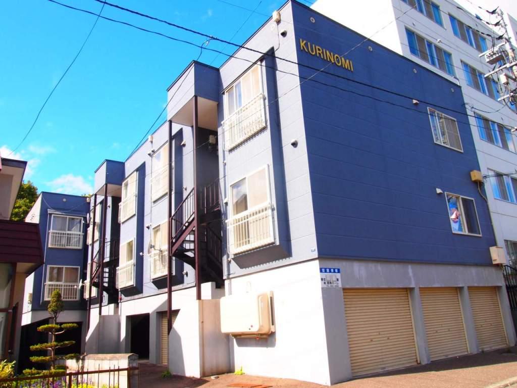 北海道札幌市豊平区、南平岸駅徒歩18分の築25年 3階建の賃貸アパート