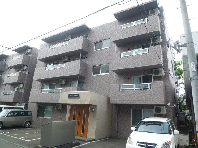 北海道札幌市豊平区、東札幌駅徒歩16分の築11年 4階建の賃貸マンション
