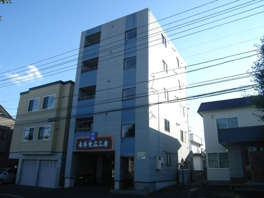 北海道札幌市豊平区、南郷13丁目駅徒歩20分の築9年 3階建の賃貸アパート