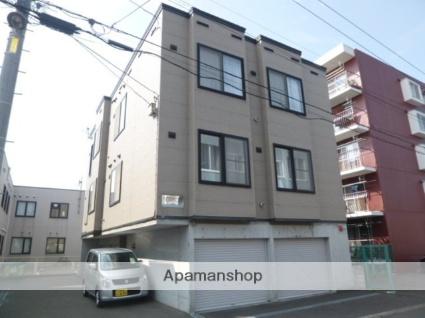 北海道札幌市豊平区、南郷7丁目駅徒歩11分の築16年 3階建の賃貸アパート