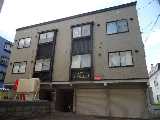 北海道札幌市豊平区、中島公園駅徒歩13分の築13年 3階建の賃貸アパート