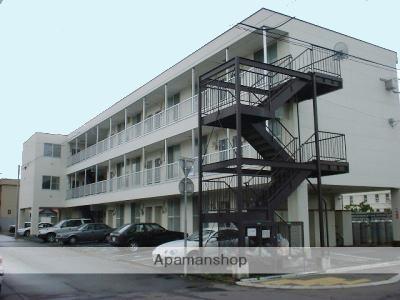 北海道函館市、堀川町駅徒歩9分の築22年 3階建の賃貸アパート