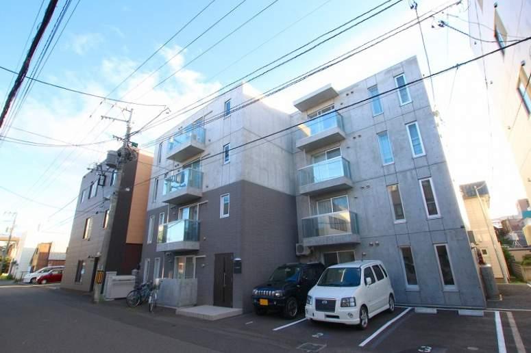 北海道札幌市白石区、菊水駅徒歩4分の築2年 4階建の賃貸マンション