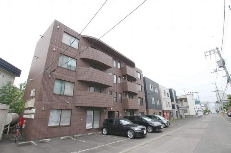 北海道札幌市豊平区、平岸駅徒歩13分の築18年 4階建の賃貸マンション