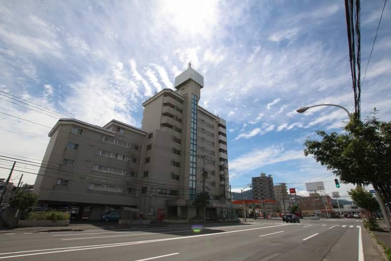 北海道札幌市豊平区、中の島駅徒歩13分の築31年 10階建の賃貸マンション