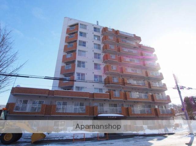 北海道札幌市豊平区、南平岸駅徒歩5分の築30年 10階建の賃貸マンション