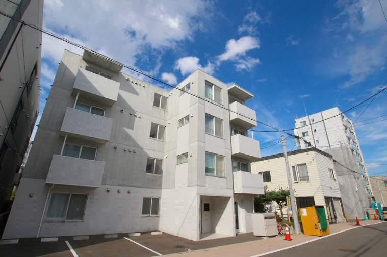 北海道札幌市豊平区、中島公園駅徒歩14分の築4年 4階建の賃貸マンション