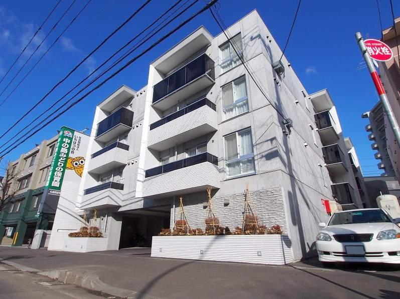 北海道札幌市豊平区、幌平橋駅徒歩12分の築3年 4階建の賃貸マンション