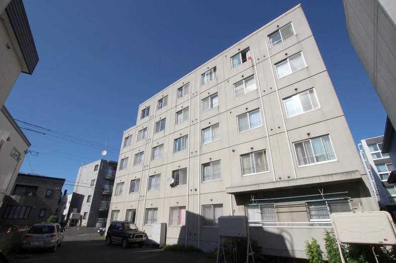 北海道札幌市豊平区、幌平橋駅徒歩12分の築28年 5階建の賃貸マンション
